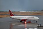 いぶちゃんさんが、新潟空港で撮影したオムニエアインターナショナル 767-328/ERの航空フォト(飛行機 写真・画像)