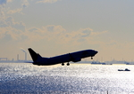 ふじいあきらさんが、羽田空港で撮影したJALエクスプレス 737-846の航空フォト(写真)