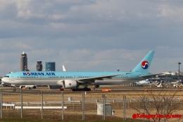 湖景さんが、成田国際空港で撮影した大韓航空 777-3B5/ERの航空フォト(飛行機 写真・画像)