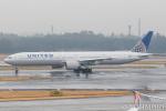 遠森一郎さんが、成田国際空港で撮影したユナイテッド航空 777-322/ERの航空フォト(飛行機 写真・画像)