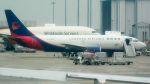 coolinsjpさんが、関西国際空港で撮影した広東龍浩航空 737-3W0(SF)の航空フォト(飛行機 写真・画像)