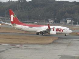 commet7575さんが、福岡空港で撮影したティーウェイ航空 737-8KNの航空フォト(飛行機 写真・画像)
