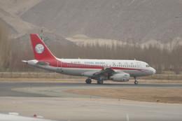 KKiSMさんが、ラサ・クンガ空港で撮影した四川航空 A319-133の航空フォト(飛行機 写真・画像)