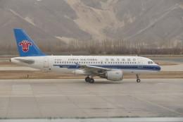 KKiSMさんが、ラサ・クンガ空港で撮影した中国南方航空 A319-132の航空フォト(飛行機 写真・画像)