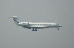 KAZKAZさんが、香港国際空港で撮影した中国企業所有 Gulfstream G650 (G-VI)の航空フォト(飛行機 写真・画像)