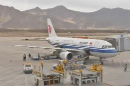 KKiSMさんが、ラサ・クンガ空港で撮影した中国国際航空 A319-115の航空フォト(飛行機 写真・画像)