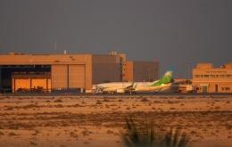KAZKAZさんが、キング・ファハド国際空港で撮影したサウジアラムコ 737-8ALの航空フォト(飛行機 写真・画像)