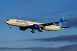 Frankspotterさんが、フランクフルト国際空港で撮影したユナイテッド航空 777-322/ERの航空フォト(飛行機 写真・画像)