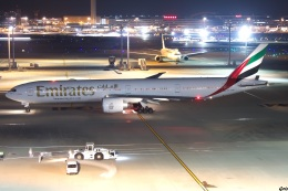 グリスさんが、羽田空港で撮影したエミレーツ航空 777-31H/ERの航空フォト(飛行機 写真・画像)