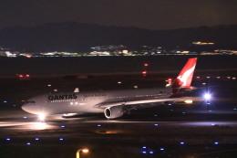 rokko2000さんが、関西国際空港で撮影したカンタス航空 A330-303の航空フォト(飛行機 写真・画像)