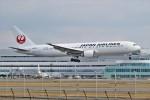 みっしーさんが、福岡空港で撮影した日本航空 767-346/ERの航空フォト(飛行機 写真・画像)