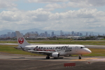 manzoさんが、伊丹空港で撮影したジェイ・エア ERJ-170-100 (ERJ-170STD)の航空フォト(飛行機 写真・画像)