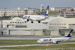 Suzukenさんが、那覇空港で撮影したスカイマーク 737-86Nの航空フォト(飛行機 写真・画像)
