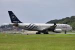 MOHICANさんが、福岡空港で撮影した中国東方航空 A330-243の航空フォト(飛行機 写真・画像)