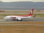 commet7575さんが、関西国際空港で撮影したティーウェイ航空 737-8ASの航空フォト(飛行機 写真・画像)