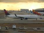 commet7575さんが、関西国際空港で撮影したデルタ航空 767-332/ERの航空フォト(飛行機 写真・画像)
