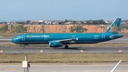 coolinsjpさんが、台湾桃園国際空港で撮影したベトナム航空 A321-231の航空フォト(飛行機 写真・画像)