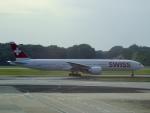 worldstar777さんが、シンガポール・チャンギ国際空港で撮影したスイスインターナショナルエアラインズ 777-3DE/ERの航空フォト(飛行機 写真・画像)