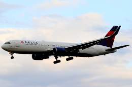 こだしさんが、成田国際空港で撮影したデルタ航空 767-332/ERの航空フォト(飛行機 写真・画像)