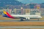 ちっとろむさんが、福岡空港で撮影したアシアナ航空 777-28E/ERの航空フォト(飛行機 写真・画像)