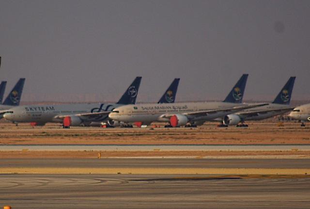 キング・ハーリド国際空港 - King Khalid International Airport [RUH/OERK]で撮影されたキング・ハーリド国際空港 - King Khalid International Airport [RUH/OERK]の航空機写真(フォト・画像)