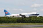 kuro2059さんが、成田国際空港で撮影した中国南方航空 A320-214の航空フォト(飛行機 写真・画像)