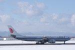 kitayocchiさんが、新千歳空港で撮影した中国国際航空 A330-343Xの航空フォト(飛行機 写真・画像)