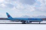 kitayocchiさんが、新千歳空港で撮影した大韓航空 777-2B5/ERの航空フォト(飛行機 写真・画像)