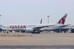 た~きゅんさんが、関西国際空港で撮影したカタール航空カーゴ 777-FDZの航空フォト(飛行機 写真・画像)