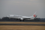 LEVEL789さんが、岡山空港で撮影した日本航空 737-846の航空フォト(飛行機 写真・画像)