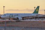 代打の切札さんが、関西国際空港で撮影した春秋航空 A320-214の航空フォト(飛行機 写真・画像)
