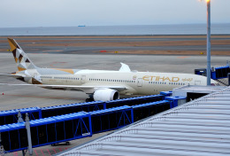 mojioさんが、中部国際空港で撮影したエティハド航空 787-10の航空フォト(飛行機 写真・画像)