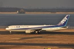 qooさんが、羽田空港で撮影した全日空 767-381/ERの航空フォト(飛行機 写真・画像)