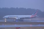 Mochi7D2さんが、成田国際空港で撮影したアメリカン航空 777-223/ERの航空フォト(飛行機 写真・画像)
