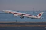 qooさんが、羽田空港で撮影した航空自衛隊 777-3SB/ERの航空フォト(飛行機 写真・画像)