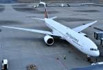 鉄バスさんが、羽田空港で撮影したフィリピン航空 777-3F6/ERの航空フォト(飛行機 写真・画像)