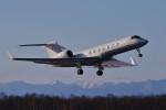 にしやんさんが、帯広空港で撮影したDC アヴィエーション G-V-SP Gulfstream G550の航空フォト(飛行機 写真・画像)