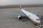 uhfxさんが、神戸空港で撮影した全日空 777-281の航空フォト(飛行機 写真・画像)