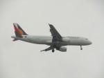 commet7575さんが、福岡空港で撮影したフィリピン航空 A320-214の航空フォト(飛行機 写真・画像)