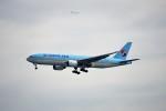 レドームさんが、羽田空港で撮影した大韓航空 777-2B5/ERの航空フォト(飛行機 写真・画像)