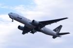 TOPAZ102さんが、伊丹空港で撮影した全日空 777-281の航空フォト(飛行機 写真・画像)