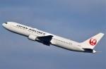 鉄バスさんが、羽田空港で撮影した日本航空 767-346の航空フォト(飛行機 写真・画像)