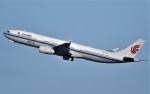 鉄バスさんが、羽田空港で撮影した中国国際航空 A330-343Eの航空フォト(飛行機 写真・画像)