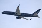 水月さんが、関西国際空港で撮影したTAG エイビエーション UK 757-2K2の航空フォト(飛行機 写真・画像)