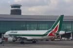JA8037さんが、バルセロナ空港で撮影したアリタリア航空 A320-214の航空フォト(飛行機 写真・画像)