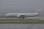 飛行機ゆうちゃんさんが、羽田空港で撮影した日本航空 777-346の航空フォト(飛行機 写真・画像)
