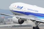 るかぬすさんが、伊丹空港で撮影した全日空 777-281/ERの航空フォト(飛行機 写真・画像)