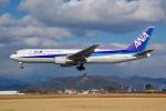 サボリーマンさんが、高知空港で撮影した全日空 767-381/ERの航空フォト(飛行機 写真・画像)