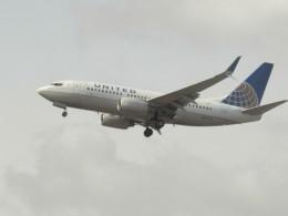 commet7575さんが、福岡空港で撮影したユナイテッド航空 737-724の航空フォト(飛行機 写真・画像)