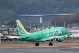 小型機専門家さんが、高知空港で撮影したフジドリームエアラインズ ERJ-170-100 SU (ERJ-170SU)の航空フォト(飛行機 写真・画像)